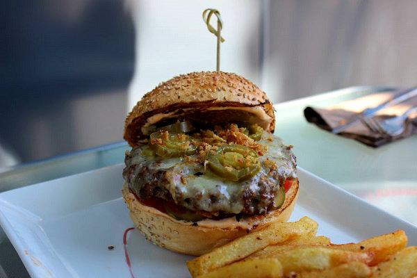 Burger El Chile Baili